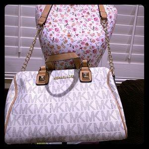 MK white brown & gray logo chain handbag! 👜